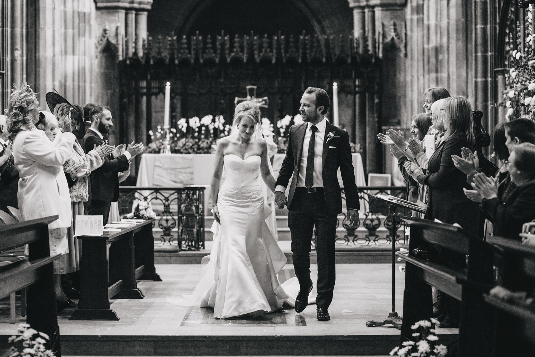 wedding photos Manchester Cathedral