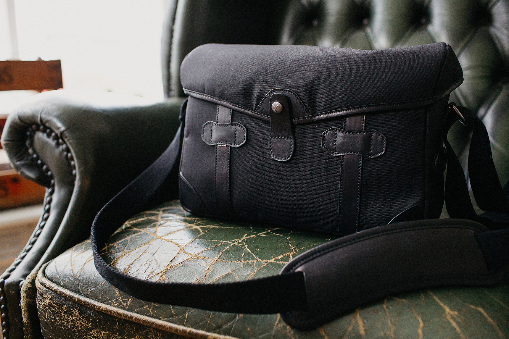 messenger style camera bag